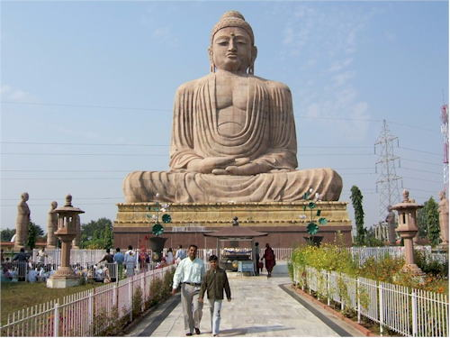 Established in 1989 by daijokyo in bodhgaya india height approx 25m